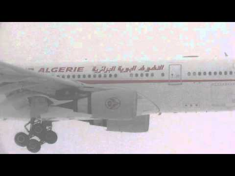Air Algerie A330-202 (A332) arriving at YUL on 06L in extreme conditions