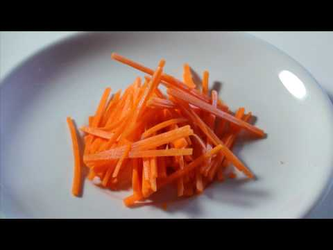 KNIFE SKILLS: HOW TO JULIENNE CARROTS