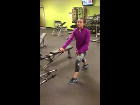 Best Weight Training Exercise for Runners: Lunge Cable Row Image 1