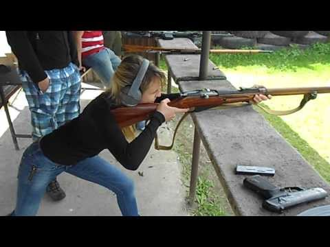 Pretty girl wrestling the Mosin-Nagant 91/30 recoil (uncut)