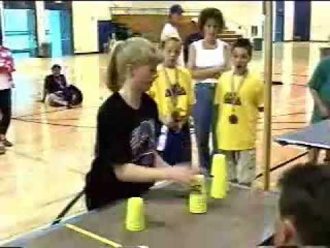 Devojka ima najbrže ruke na svetu!