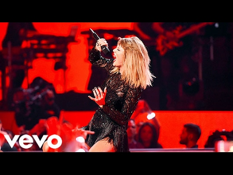 Taylor Swift - Live in Houston   04.02.17 (Full Show)
