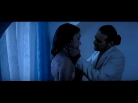 Kareena Kapoor Intimate Unseen Hot Kiss video
