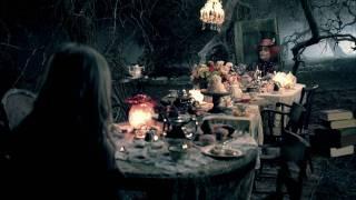 Watch Avril Lavigne Alice video