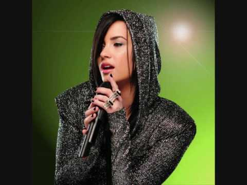 Demi Lovato - The Edge NZ Radio interview (27 OCTOBER 2009)