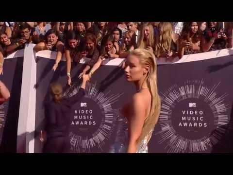 2014 MTV VMA Red Carpet - Miley, J Lo, Taylor Swift, Adam Levine & More