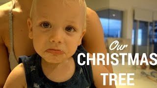 PUTTING UP OUR CHRISTMAS TREE | vlog