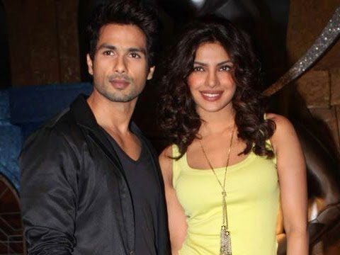 Shahid Kapoor & Priyanka Promoting Teri Meri Kahaani On IPL 5 Extra Innings