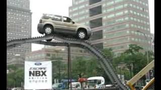 Ford Escape特技表演