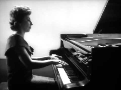 Bella Davidovich plays Chopin Scherzo no. 2 - video