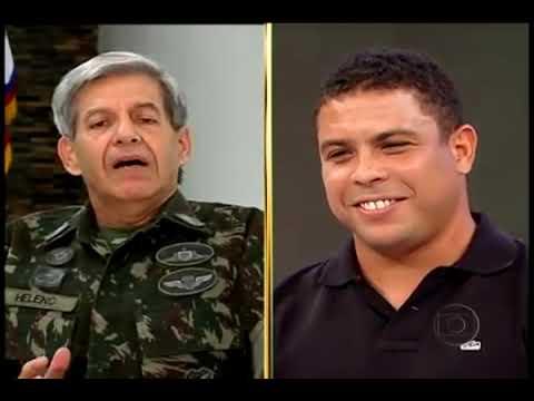 Ronaldo Fenômeno participa do Arquivo Confidencial do Faustão