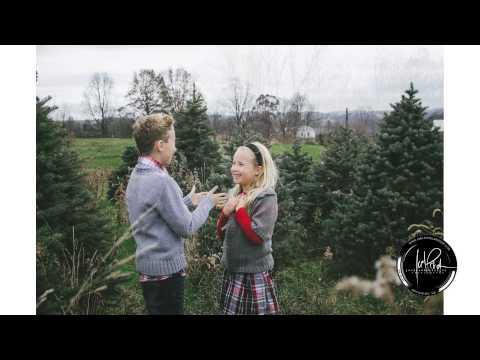 Owens family holiday mini session Christmas tree farm photo shoot Joel Echelberger Photography