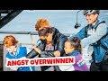 DIT IS GRUWELIJK ENG! met Quinty en Jeroen van Holland - Kinderen voor Kinderen MP3
