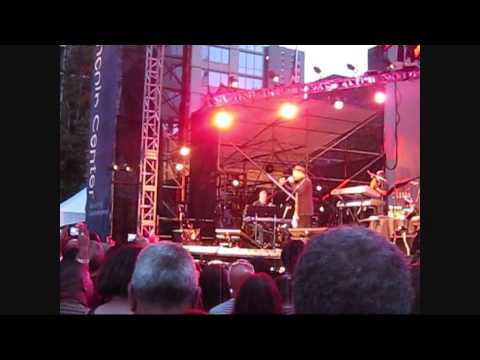 Buscando guayaba - Ruben Blades in New York  8/7/2013