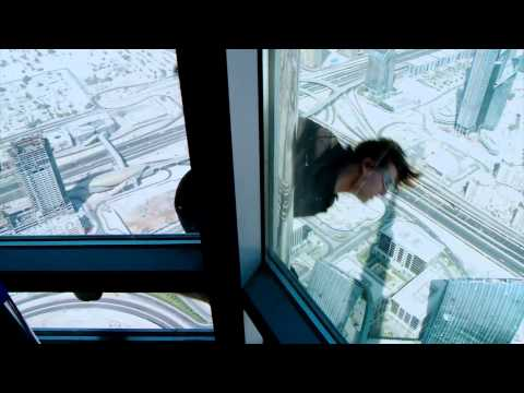 Mission Impossible 4 - Ghost Protocol [Behind The Scenes - Tom Cruise]