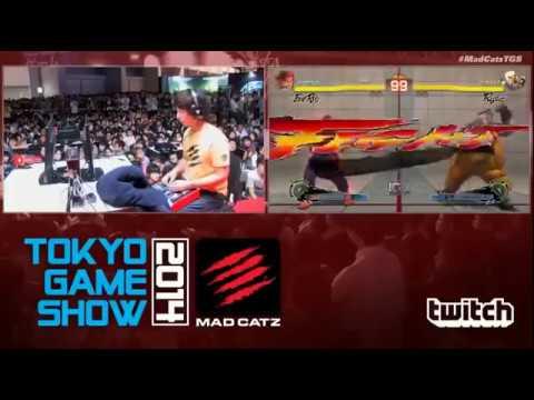 TGS 2014 - Daigo Umehara (Evil Ryu) vs. Justin Wong (Rufus) - FT5 USFIV