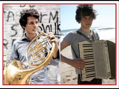Beirut - Nantes (Official accordion version - w/ lyrics)