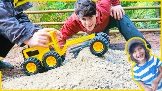 Toy Construction Truck Review | Tonka Grader