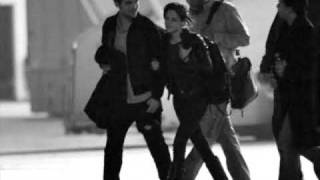 Rob and Kristen in Paris - Baby, It's Fact. Our Love Is True