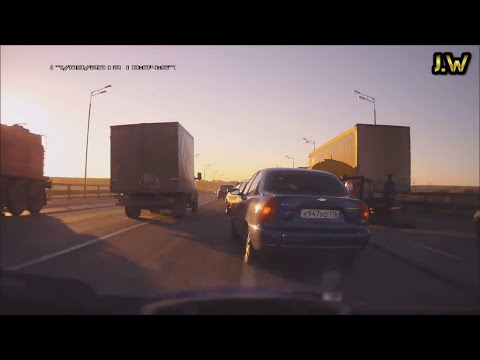 accidentes de camiones, bestiales accidentes, truck Accident, car crash, (recopilacion 2013) part.4