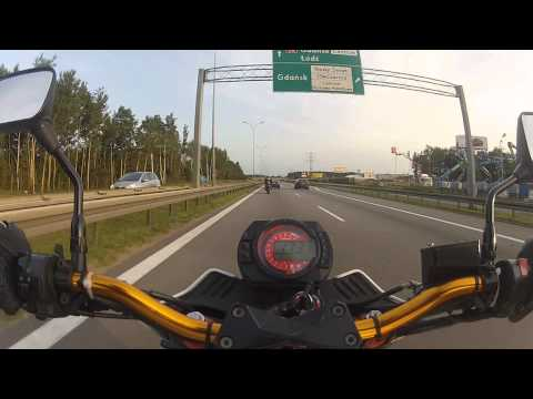 Kawasaki Z1000 and Honda Cbr 600rr - ring road