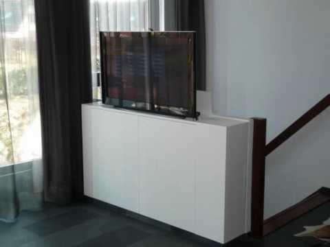 EnerO maatwerk mediameubel met tv lift - YouTube