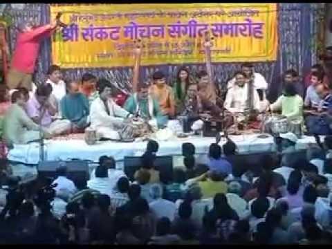 Pak ghazal singer Ustad Ghulam Ali perfoms at Sankat Mochan temple in Varanasi