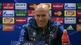 Zinedine Zidane Looks Embarrassed As Ronaldo Walks Out Of Presser - Rio
