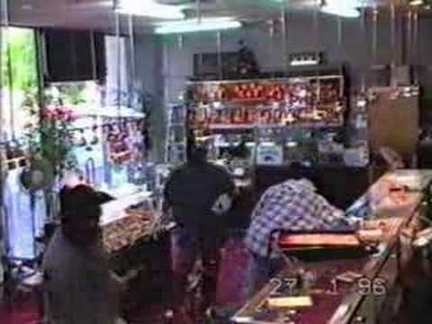 Armed robbery of jewelery shop in Sydney Australia
