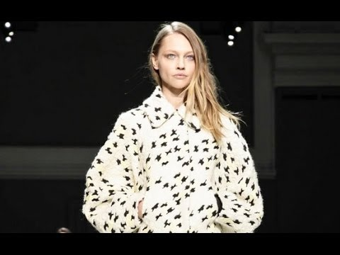 Chloe | Fall Winter 2014/2015 Full Fashion Show | Exclusive Video