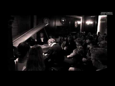 DEBUSSY: CLAIR DE LUNE - TAMÁS VÁSÁRY (PIANO) AT THE XAVER VARNUS MUSIC SALOON