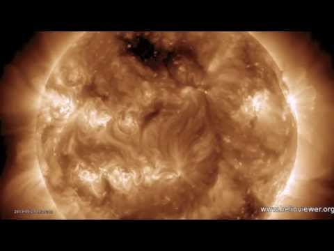 4MIN News May 24, 2013: 8.3 Earthquake [Upgrade], CME Impact Tonight, Sunspots