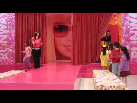 Barbie Store Desfile de Modas (Disponible en HD)