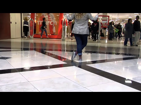 Ellen DeGeneres and JCPenney Flash Mob