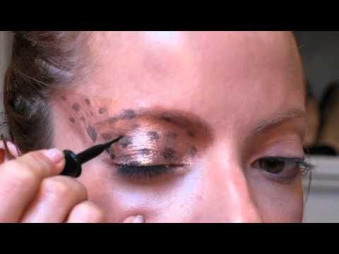 Julia Petit Passo a Passo Duplo Carnaval Maquiagem 1