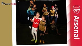 Arsenal stars photobomb unsuspecting fans!