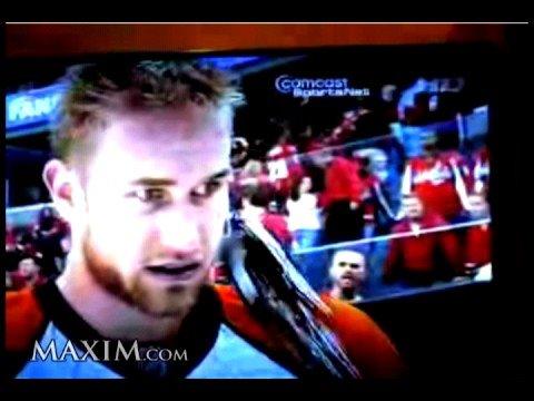 Flyers Jeff Carter Shoots An Apple Off Goalie's Head