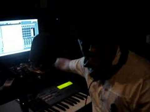 DJ NELSON EN EL ESTUDIO FLOW LA DISCOTEKA2 Video