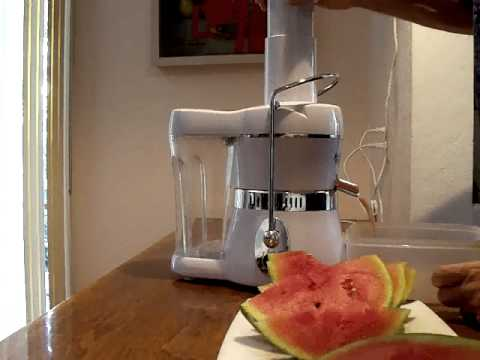 ... AMY - Jack Lalanne Juicer vs Omega Big Mouth Juicer. Which is better