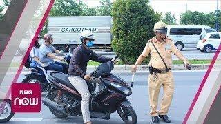 Những pha áp sát xử phạt gay cấn của CSGT   VTC Now