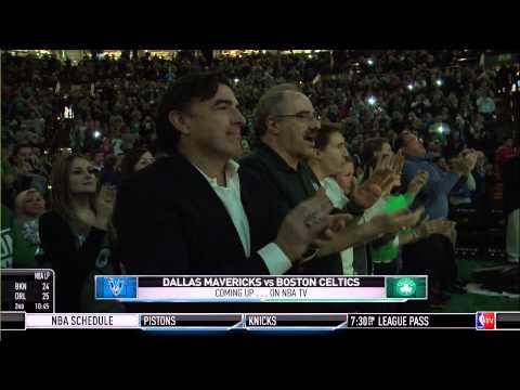Rajon Rondo receives standing ovation in return to Boston: Mavericks at Celtics