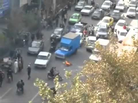 Young Iranian  fight  the  islamic Regime , Death to Diktator !