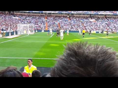 Santiago Bernabeu - Real Madrid vs. Granada 1:0 Karim Benzema
