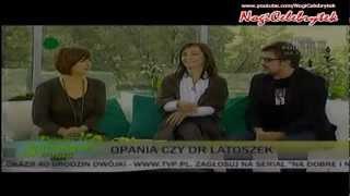 Olga Bończyk - Upskirt w rajstopach!