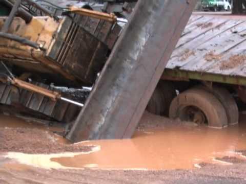 Acidente com caminhão de Nova Mutum em Diamantino