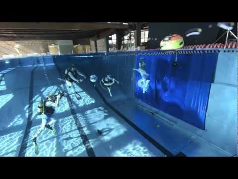 underwater model - wet look shooting with Elischeba Wilde