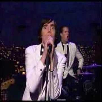 The Hives - Live (Letterman) - Walk Idiot Walk