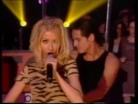 (HQ) Christina Aguilera Genie In A Bottle Live (Top Of The Pop's) 1999