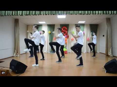 танец-подарок парней на 8 марта 2018. СШ№14 г. БрЕСТ