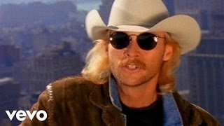 Watch Alan Jackson Gone Country video